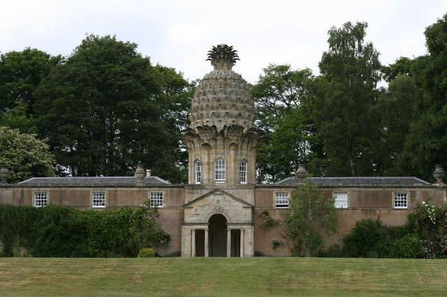 Dunmore pineapple building